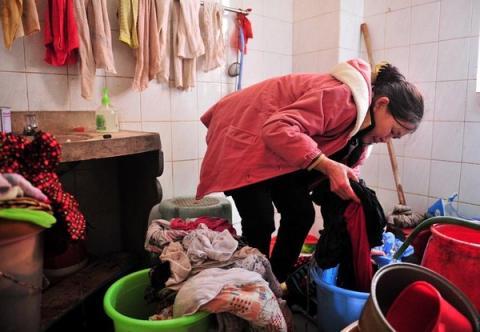 Cuộc sống của người đàn bà nhặt rác với hơn 30 đứa trẻ 5