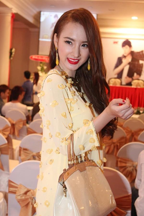 Angela Phương Trinh: Cô nàng chịu khó F5 kiểu tóc 1