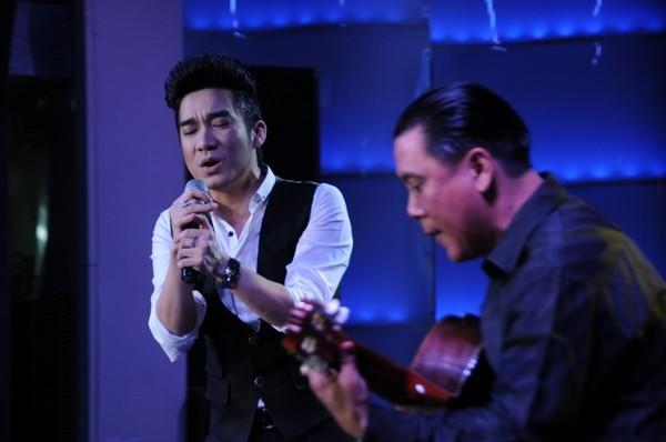 Lâm Chí Khanh bóp nghẹt vòng 1 trong đêm nhạc từ thiện 12