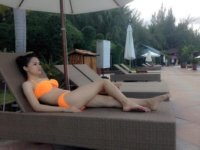 Hương Giang Idol khoe thân hình nóng bỏng với bikini 3