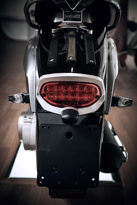 Lambretta ra mắt phiên bản mới màu đen cho năm 2013 7