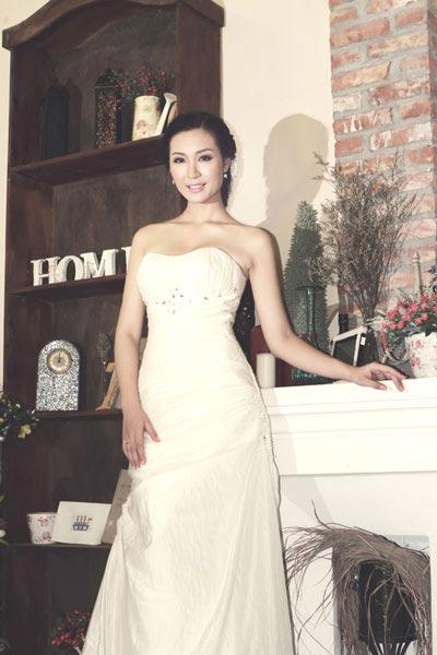 Á hậu Thùy Trang chuẩn bị lên xe hoa 4