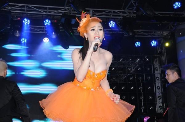 Lâm Chí Khanh bóp nghẹt vòng 1 trong đêm nhạc từ thiện 3