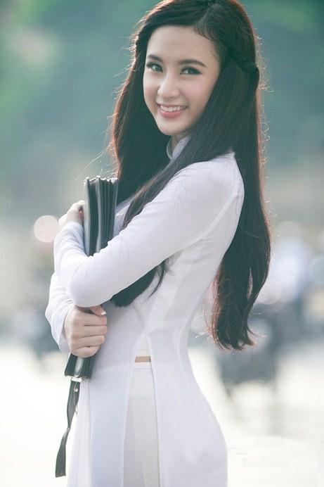 Angela Phương Trinh hiền dịu, mỏng manh trong tà áo dài trắng 8