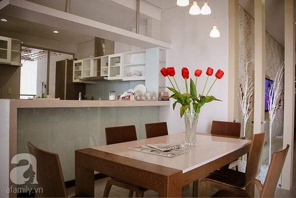 Ngắm căn hộ sang trọng với nội thất tông trầm ở TP Hồ Chí Minh 8