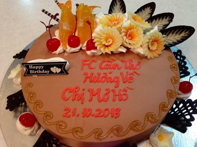 Trấn Thành đãi tiệc sinh nhật cùng lúc cho mẹ và bạn gái 6