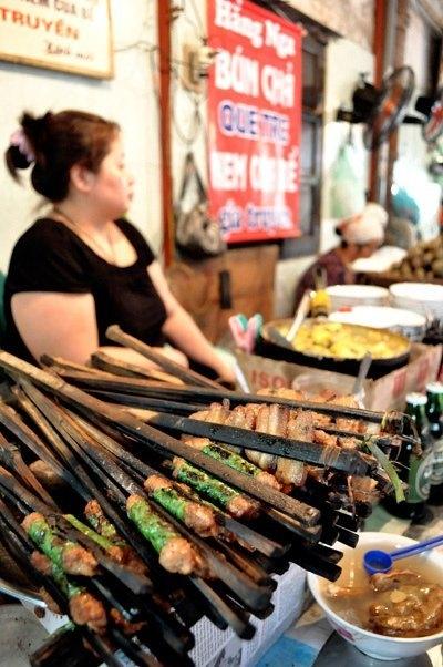 Những ngõ, phố hàng ăn kiếm đậm nhất Hà Nội 8