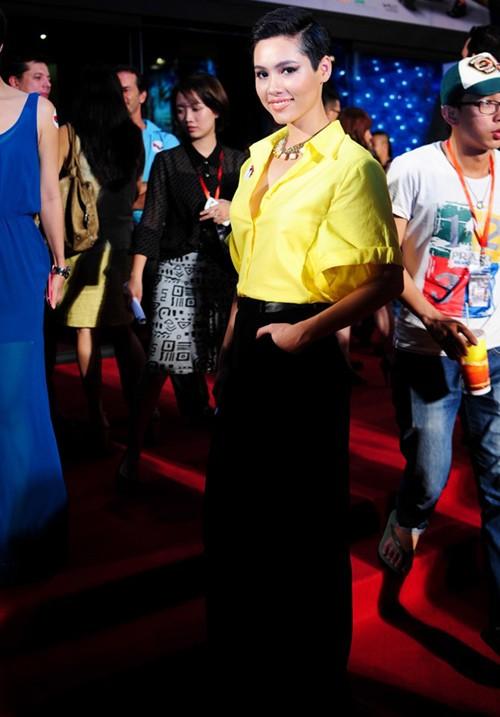 Mỹ nhân Việt cá tính hơn nhờ tóc ngắn 5