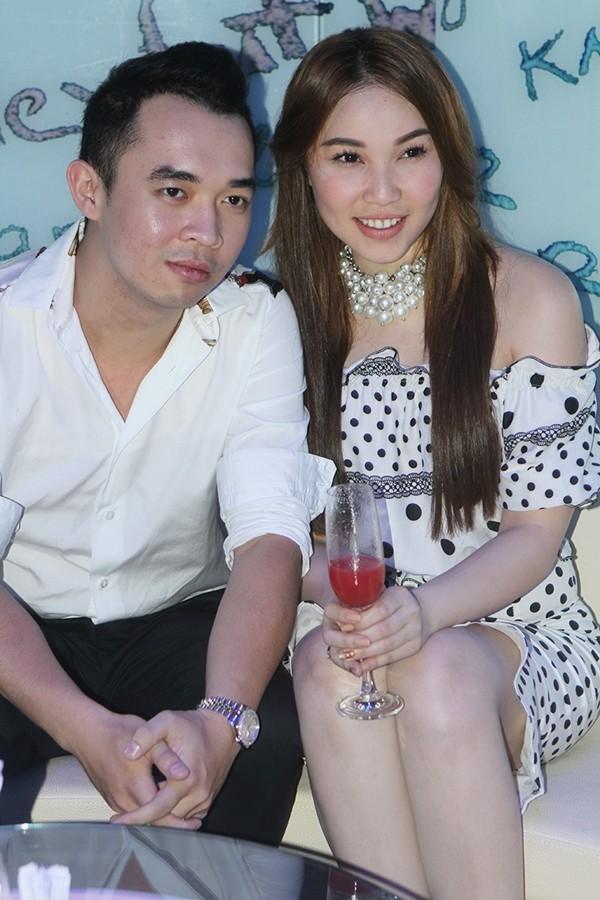 Kiều nữ Việt kém xinh đẹp vì lỗi trang điểm dày phấn 10
