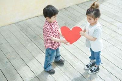 Tình yêu 'ô mai' khiến cô gái làm mẹ tuổi 16 2