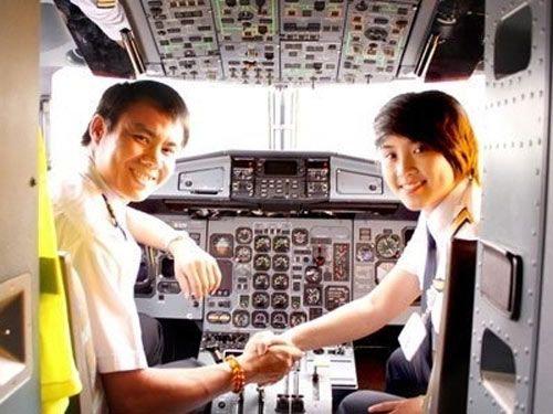 Ba nữ phi công Việt Nam nổi hơn hotgirl 11