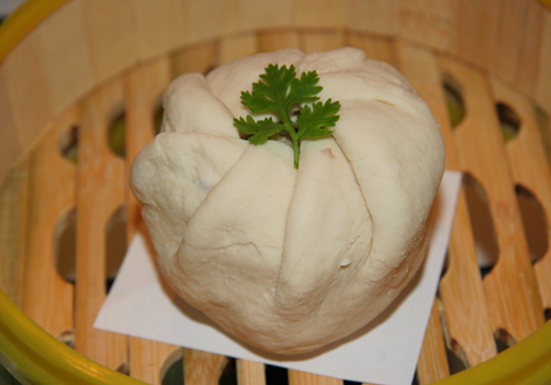 Cách làm bánh bao trứng vịt muối 3