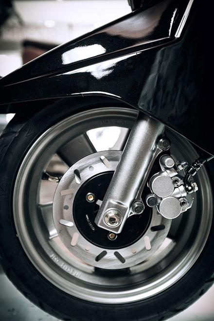 Lambretta ra mắt phiên bản mới màu đen cho năm 2013 8