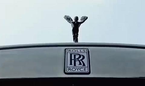 Siêu xe Rolls-Royce, Bentley dài cả phố rước dâu hotgirl 11