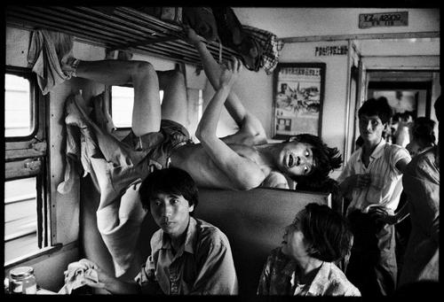 Cuộc sống muôn màu trên những chuyến tàu xưa 9