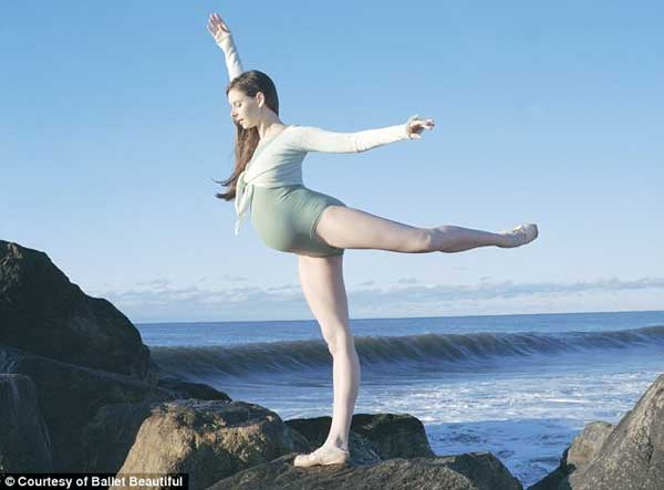 Mang bầu 39 tuần vẫn múa ballet hăng say 6