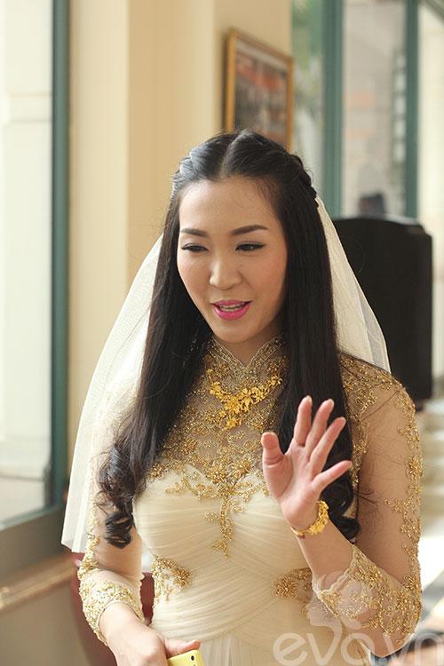 Cận cảnh đám cưới cổ tích của Á hậu Thùy Trang 13
