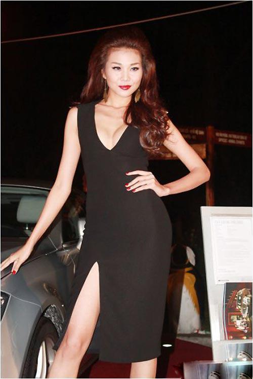 Thanh Hằng - 'cao thủ' khoe khéo vòng 1 7