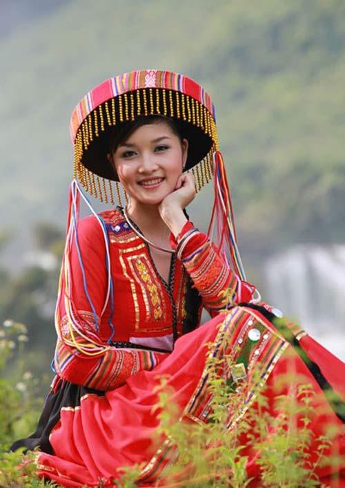 Lộ ảnh thân mật của hoa hậu Triệu Thị Hà và cháu trai quý bà Kim Hồng 1