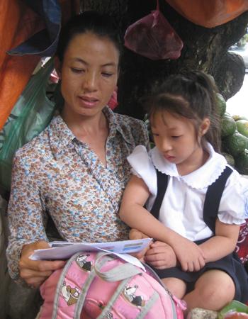 Cô gái 'thể thao vàng' bán hoa quả nuôi con gái nhỏ 2