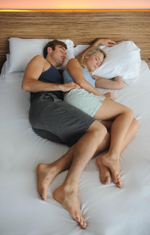Đo độ hạnh phúc hôn nhân qua tư thế nằm của vợ chồng 5
