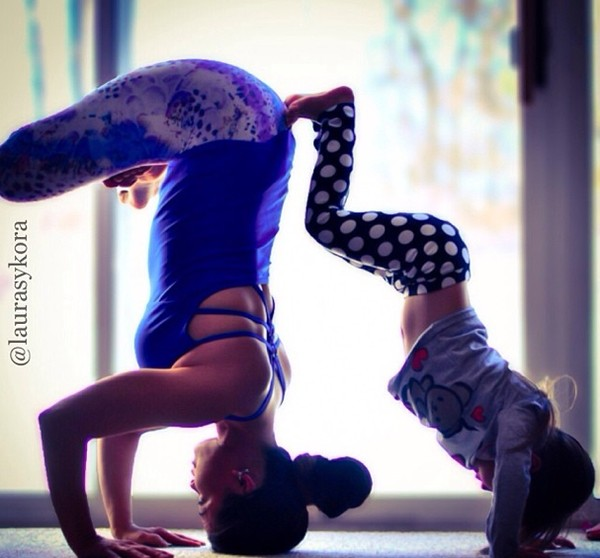 """Chùm ảnh đầy cảm hứng của """"bà mẹ Yoga"""" dáng siêu đẹp 20"""