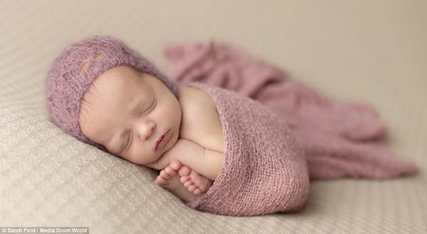 Quá ngọt ngào với chùm ảnh bé sơ sinh ngủ 11