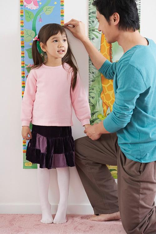 Những chất mẹ cần bổ sung để con tăng chiều cao tối đa 2