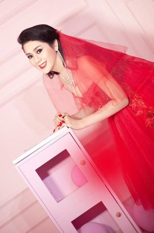 Lâm Chi Khanh xinh đẹp trong váy cưới đỏ rực 5