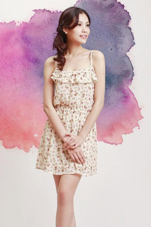 6 cách diện 1 chiếc váy hoa khi thu về 3