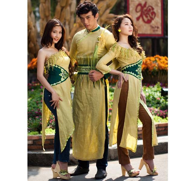 """Những bộ áo dài cách tân của sao Việt bị """"ném đá"""" 8"""
