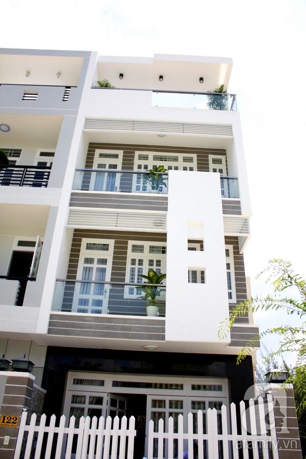 Mát mắt với ngôi nhà ngập sắc trắng tại Nhà Bè, TP Hồ Chí Minh 1
