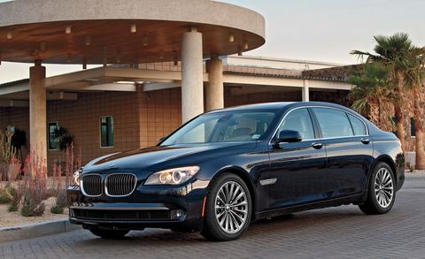 Xe sang BMW đột ngột giảm giá tới 800 triệu 1