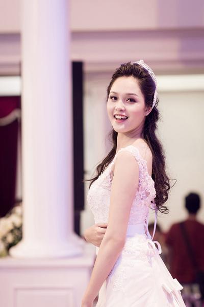 Hoa hậu Ngọc Hân ngày càng đẹp và trắng 11