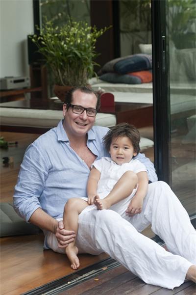 Bằng Lăng hạnh phúc bên chồng con ở Thái Lan 7