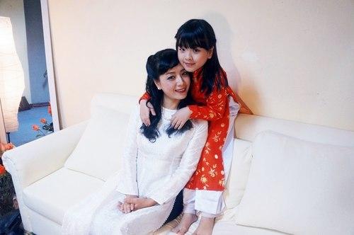 Hồng Khanh thu âm 'Mamma' tặng mẹ Chiều Xuân nhân lễ Vu Lan 1