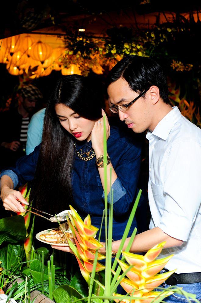 Vợ chồng Tăng Thanh Hà tình cảm đi tiệc 3