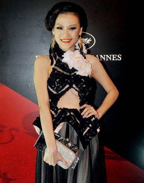 Bàng hoàng gu thời trang kỳ quặc của sao Việt 11