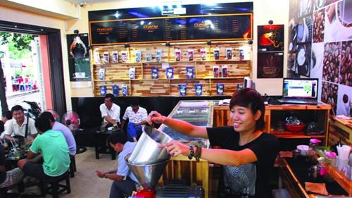 Cà phê xay Milano 10.000 đồng/ly hút khách ở Sài thành 1