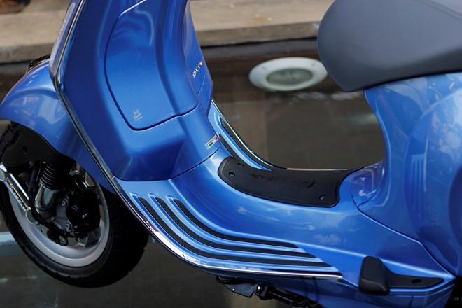 Cận cảnh Vespa Primavera - mẫu xe thay thế LX tại Việt Nam 16