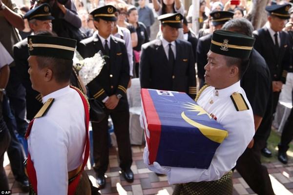 Đẫm nước mắt tang lễ 2 phi công vụ MH17 9