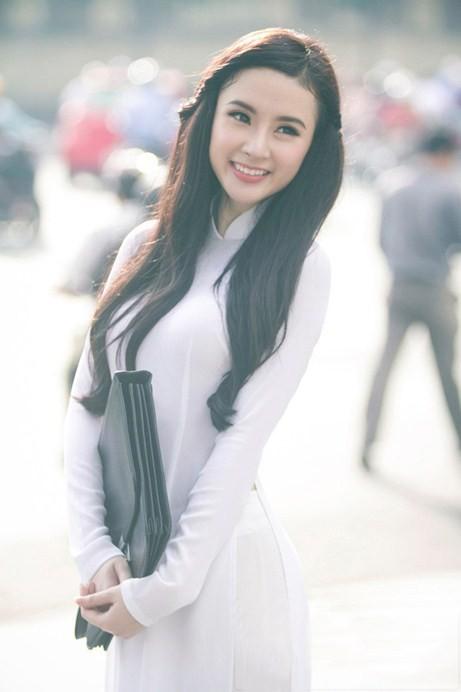 Angela Phương Trinh hiền dịu, mỏng manh trong tà áo dài trắng 3