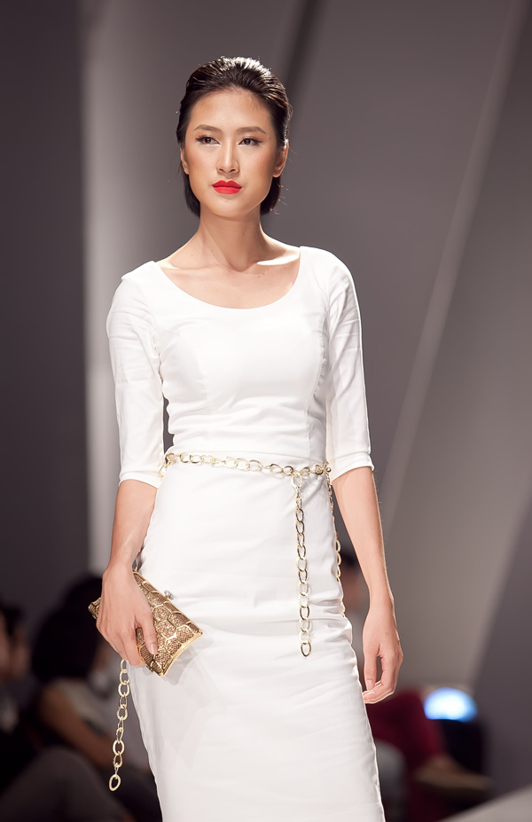 Những mẫu váy lộng lẫy mới nhất cho tháng 4 9