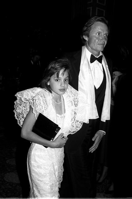 Gu thời trang đáng nhớ của Angelina Jolie 1
