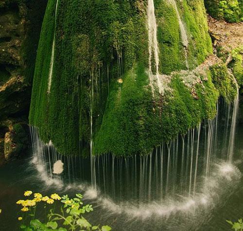 """Những thác nước """"kỳ lạ"""" nhất thế giới 1"""