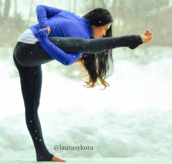 """Chùm ảnh đầy cảm hứng của """"bà mẹ Yoga"""" dáng siêu đẹp 5"""