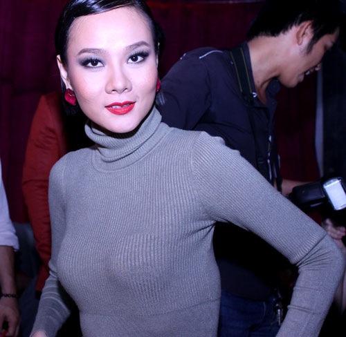 """Những sao Việt """"nghiện"""" phong cách trang điểm đậm 28"""