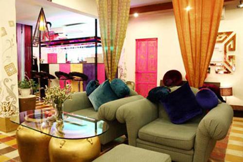 Căn nhà rực rỡ của nhà thiết kế Võ Việt Chung 2