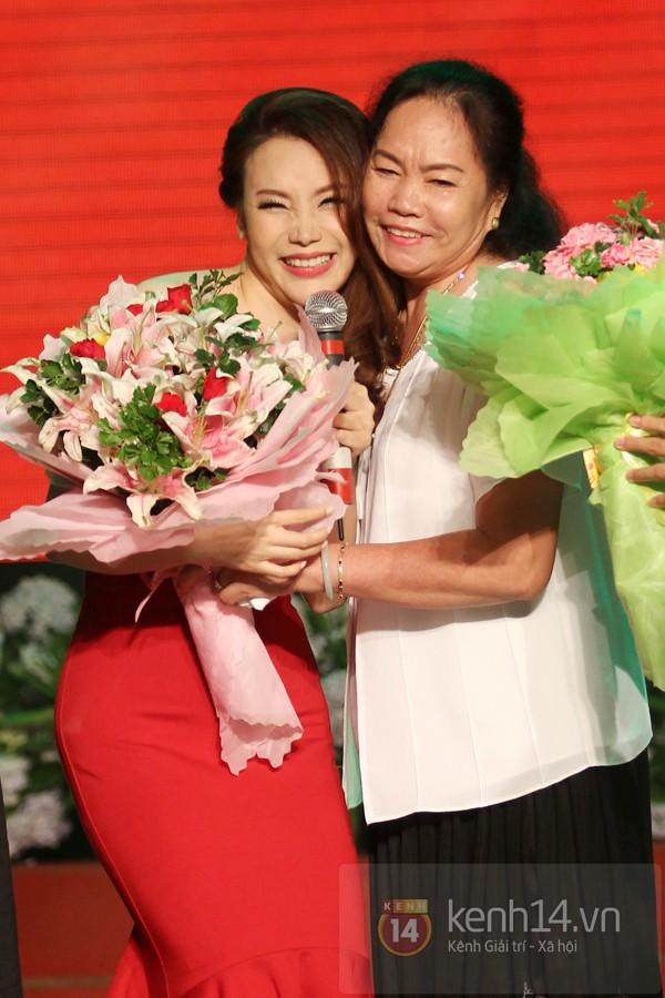 Hồ Quỳnh Hương bất ngờ thi tốt nghiệp 5