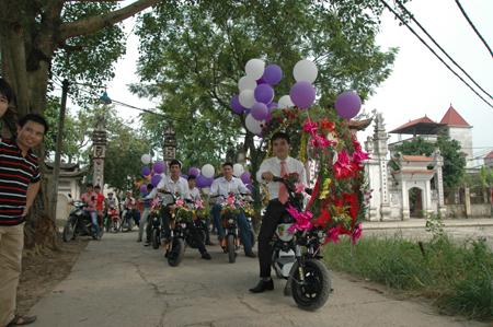 Hà Nội: Thú vị đám rước dâu bằng... xe đạp 1